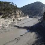 Lac de Castillon à côté de Castellane vide au printemps