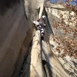 Thomas grimpe dans Chauffe Marcel, un gros 6a+ trad' d'Annot
