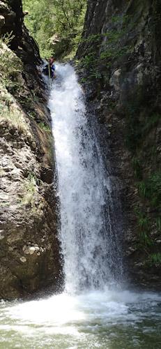 Canyoning extrême en France vers Nice dans les Alpes Maritimes ou dans les Hautes Alpes