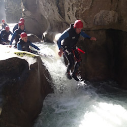 Canyoning dans la clue de Saint-Auban près de Toulon et Grasse