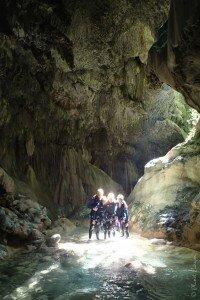 Canyoning à Nice et le fameux passage de la grotte dans la Maglia