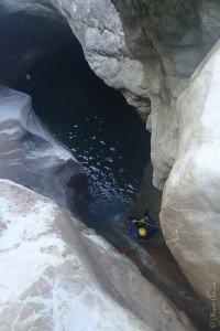 Canyoning vers Nice et toboggan éjectable dans le Riolan