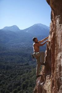 Membre de l'équipe Planet Canyon, Morgan, Guide de Canyoning dans les Gorges du Verdon et les Alpes Maritimes, de Nice et Marseille