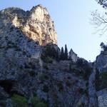 Village de Moustier-Sainte-Marie en canyoning dans le Val d'Angouire près de Marseille à l'entrée des Gorges du Verdon