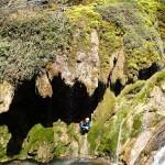 Tuf gigantesque en canyoning dans le Val d'Angouire près de Marseille à l'entrée des Gorges du Verdon