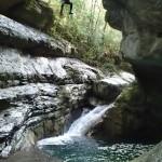 Grand saut dans le vallon de la Carleva en canyoning extrême près de Nice
