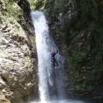 Rappel éjectable en canyoning dans la Vésubie vers Nice et Antibes dans le Riou de la Bollène