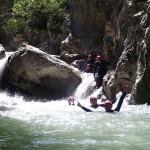 Nage en canyoning près de Castellane et des Gorges du Verdon dans la clue de Saint-Auban