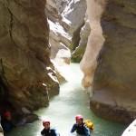 Etroiture finale en canyoning dans la clue du Riolan près de Nice et des Gorges du Verdon