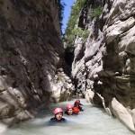 Nage en canyoning dans la clue du Riolan près de Nice et des Gorges du Verdon