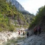 Marche en canyoning dans la clue du Riolan près de Nice et des Gorges du Verdon
