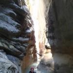 Etroiture en canyoning dans la clue du Riolan près de Nice et des Gorges du Verdon