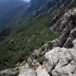 Cinquième longueur (6a) de la voie Resistenza dans le massif des aiguilles de Bavella en Corse