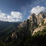Paysage des aiguilles de Bavella en Corse, paradis du canyoning et de l'escalade