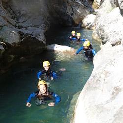 Canyoning initiation près de Grasse dans le le Gours du Ray