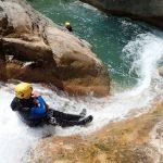 Un toboggan pour s'échauffer au début du canyon de la Maglia
