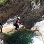 Petit saut en canyoning dans Audin près de Monaco et Menton dans la vallée de la Roya