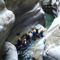 Canyoning initiation près de Nice dans le vallon de Cramassouri