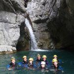 En famille en canyoning dans Cramassouri