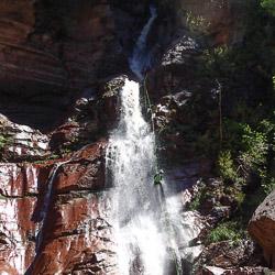 Canyoning dans les cascades finales de la clue d'Amen près d'Entrevaux et Nice